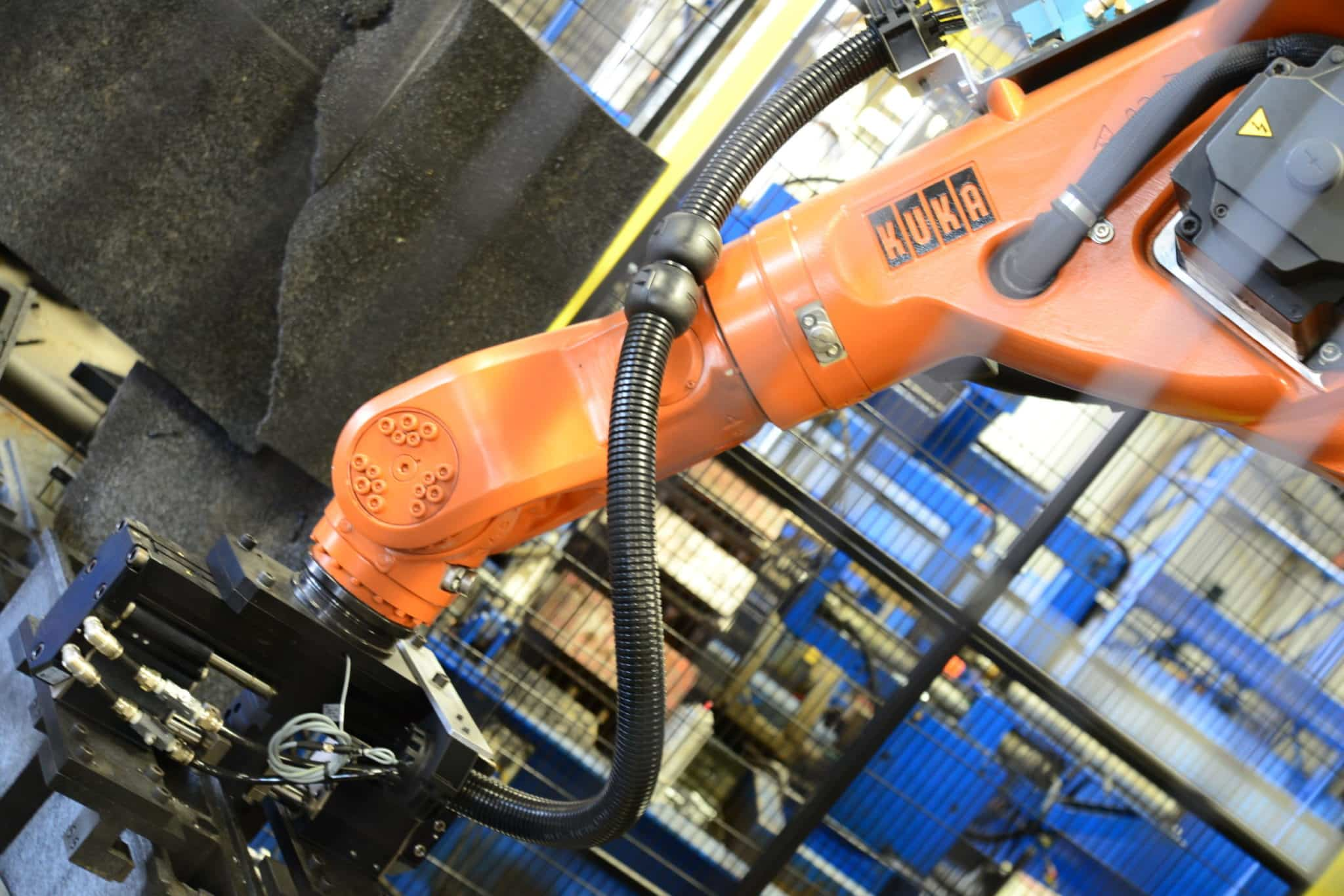 Manage your risks with safe, proven robotics solutions.
